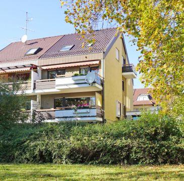 Großzügige Doppelhaushälfte mit Blick ins Grüne!