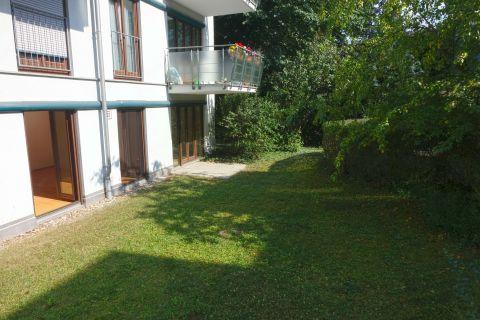 Großzügige 3-4 Zimmerwohnung mit Terrasse