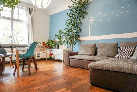 Luxus-Altbauwohnung mit EBK und Balkon