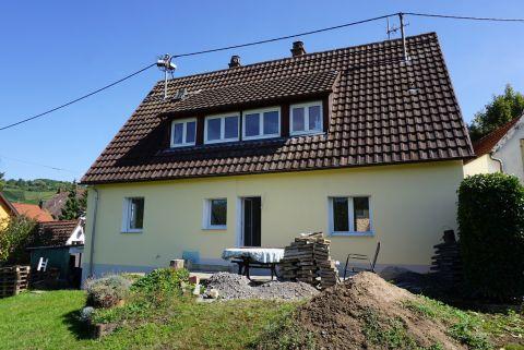 Saniertes Einfamilienhaus mit Garten