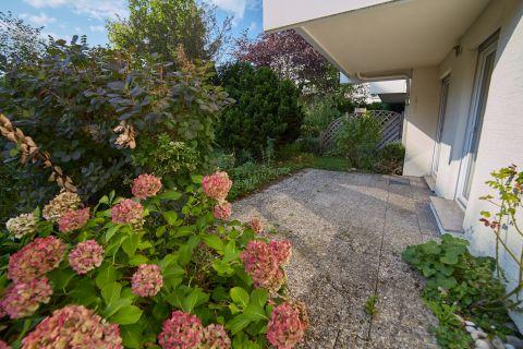 Großzügige und sonnige Wohnung mit Garten