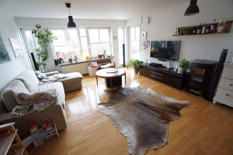 Großzügige 3,5 Zimmerwohnung mit EBK, Terrasse und Garten