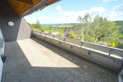 Dieser Blick! 3-Zimmerwohnung mit großer Terrasse.