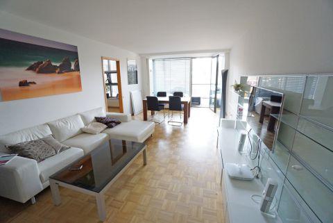 Großzügige 2-Zimmerwohnung mit Balkon und Blick