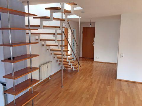 Sonnige 4-Zimmer Maisonette-Wohnung mit EBK und Dachterrasse