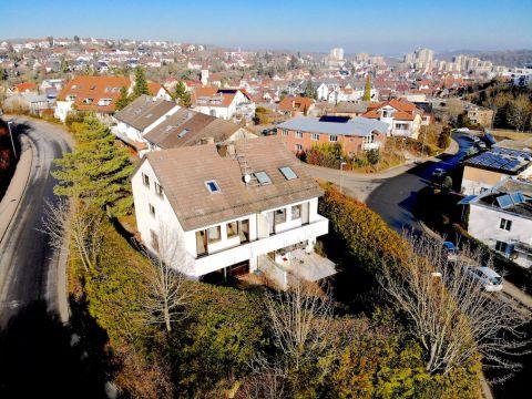 Großzügige Doppelhaushälfte mit Garten in S-Botnang