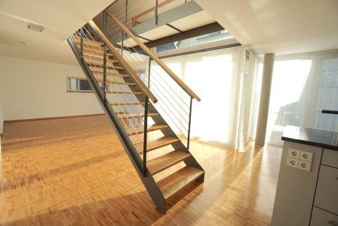 Neuwertige Luxuswohnung mit Terrasse und Einbauküche
