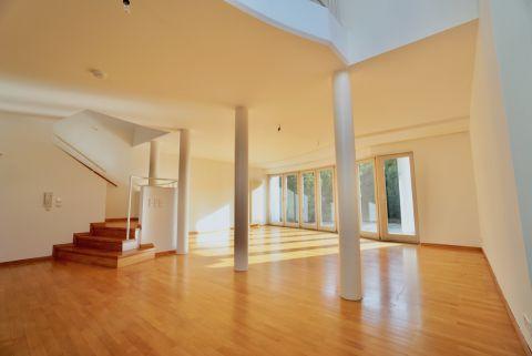 Sonnige Doppelhaushälfte - Wohnzimmer