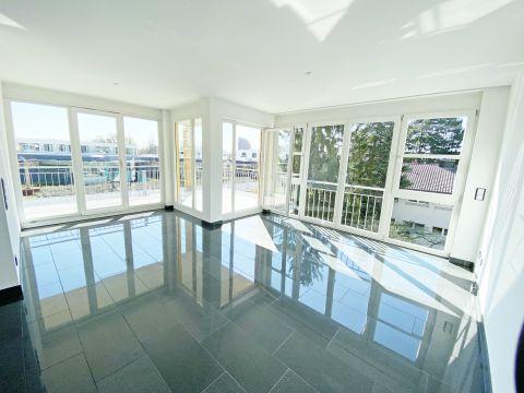 Luxus-Wohnung mit großer Terrasse im Zentrum von S-Vaihingen