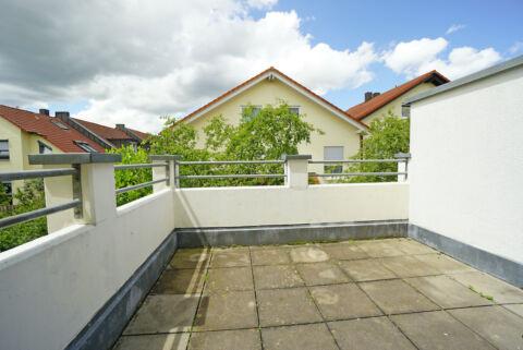 Tolle 2-Zimmerwohnung mit Terrasse, EBK und Tiefgarage