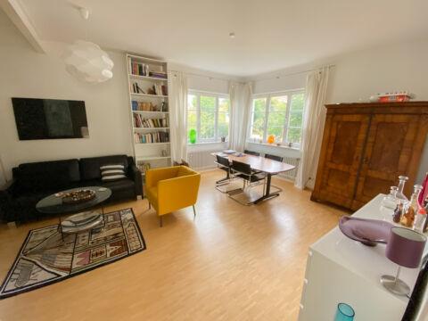 Vollmöblierte 4 Zimmer-Altbauwohnung in S-Degerloch