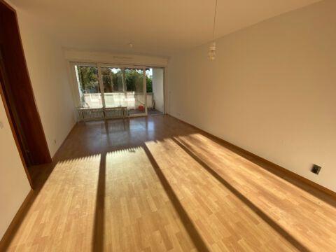 Sonnige 3-Zimmerwohnung mit Balkon und neuem Bad!