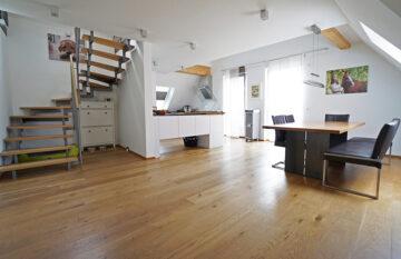 Neuwertige Luxus-Maisonettewohnung mit EBK in der Waiblinger Altstadt, 71332 Waiblingen, Dachgeschosswohnung