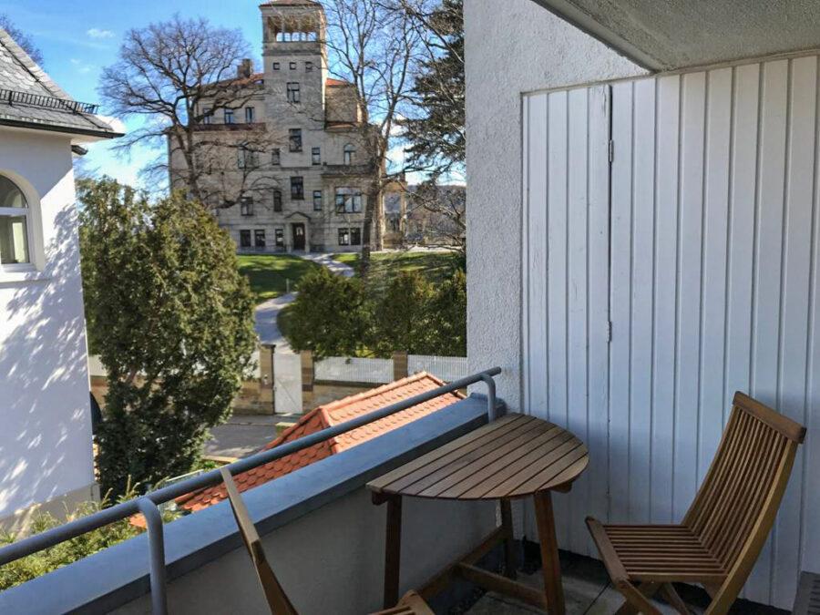 Helle und großzügige 4,5-Zimmer Wohnung mit 3 Terrassen und tollem Blick - Balkon 3