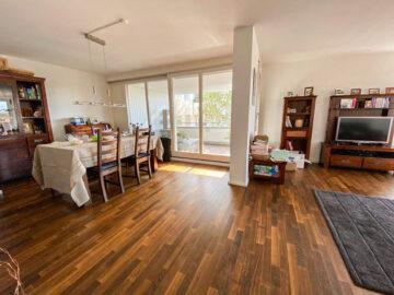 Helle und großzügige 4,5-Zimmer Wohnung mit 3 Terrassen und tollem Blick, 70184 Stuttgart, Etagenwohnung