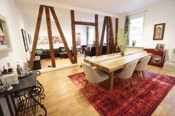 Großzügige 5-Zimmerwohnung in toller Innenstadtlage, 70178 Stuttgart, Etagenwohnung