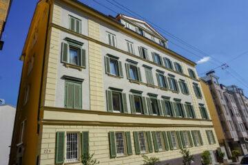 Großzügige 4-Zimmerwohnung in toller Innenstadtlage, 70178 Stuttgart, Etagenwohnung