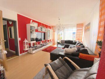 Schöne 3,5 -Zimmerwohnung mit Balkon und Garage, 72585 Riederich, Etagenwohnung