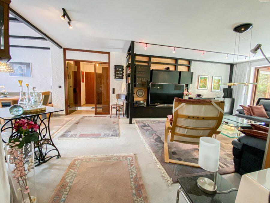 Großzüge, barrierefrei 4,5 Zimmerwohnung in ruhiger Lage - Wohnzimmer