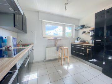 Helle 3-Zimmerwohnung mit sonniger Terrasse in ruhiger Lage, 73728 Esslingen am Neckar, Apartment