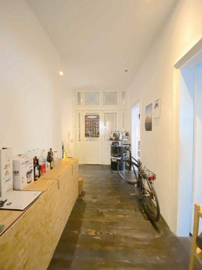 Hochwertig 4- Zimmerwohnung mit EBK (WG-geeignet) - Eingangsbereich und Flur