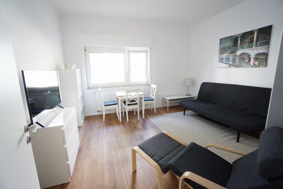Möbliertes Apartment an den Mineralbädern mit Einbauküche und Tageslichtbad - Wohnen / Schlafen