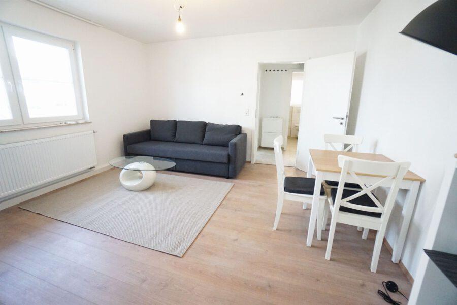 Möbliertes 2-Zimmer-Apartment an den Mineralbädern mit Einbauküche und Tageslichtbad - Wohnen