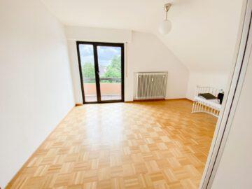 Helle 3 Zimmerwohnung in ruhiger Lage, 70619 Stuttgart Riedenberg, Dachgeschosswohnung