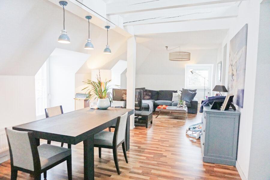 Loftartige Maisonettewohnung mit EBK in zentraler Lage - Wohn-/Essbereich