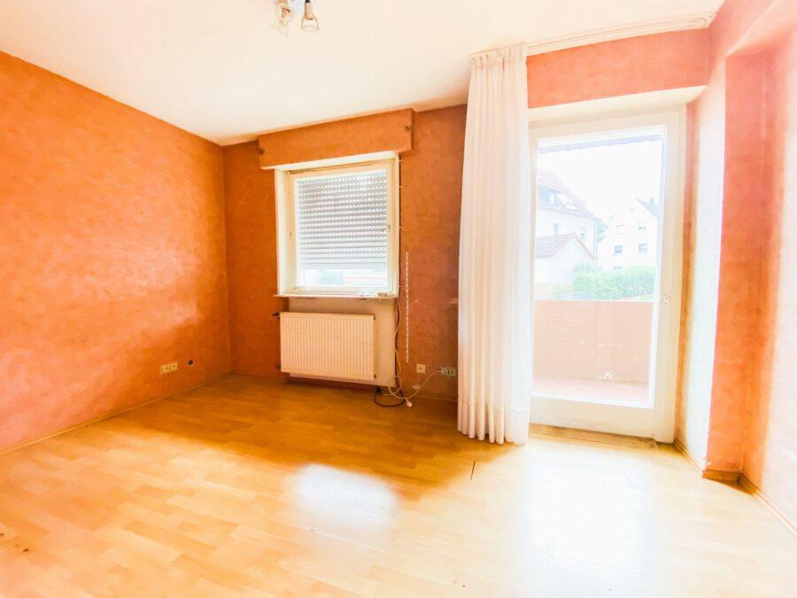 Großzügige 3-Zimmerwohnung mit Balkon (renovierungsbedürftig) - Arbeitszimmer