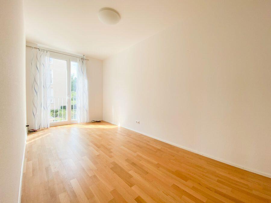 Neuwertige 3-Zimmerwohnung großer Terrasse und Einbauküche - Kinder-/Arbeitszimmer