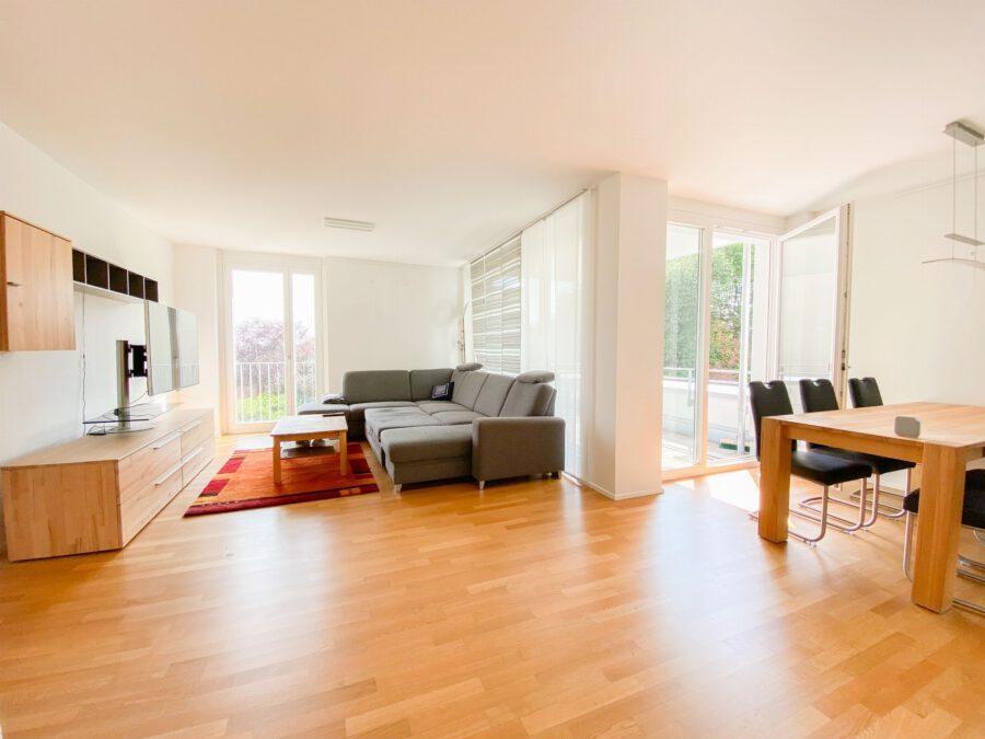 Neuwertige 3-Zimmerwohnung großer Terrasse und Einbauküche - Wohn-/Essbereich