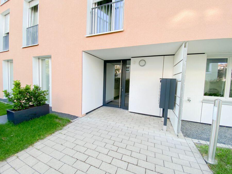 Neuwertige 3-Zimmerwohnung großer Terrasse und Einbauküche - Aussenansichten