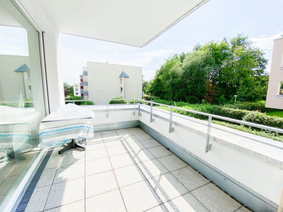 Neuwertige 3-Zimmerwohnung großer Terrasse und Einbauküche - Balkon
