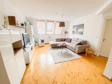 Helle und großzügige Altbau DG Wohnung mit Balkon, 70197 Stuttgart Stuttgart-West, Apartment
