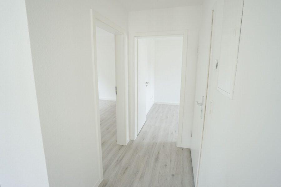 Sanierte 3-Zimmer Wohnung in ruhiger Lage - Flur