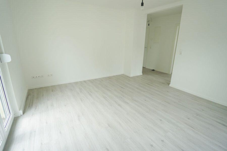 Sanierte 3-Zimmer Wohnung in ruhiger Lage - Wohnzimmer