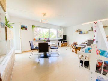 Sonnige 3-Zimmerwohnung mit Balkon in grüner Lage, 70563 Stuttgart Vaihingen, Etagenwohnung