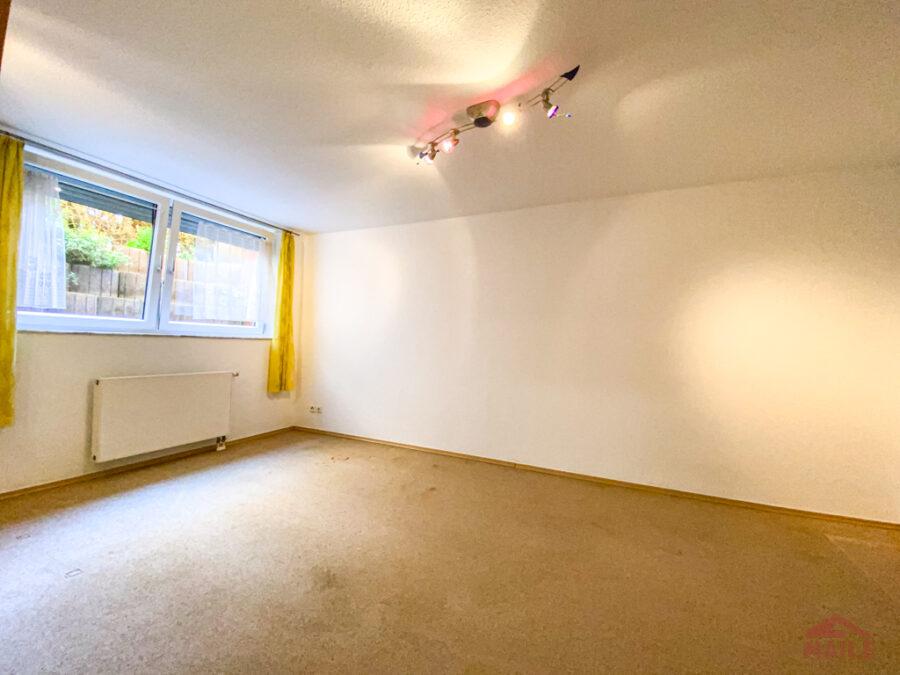 Sonnige Doppelhaushälfte mit Garage und EBK - Hobbyraum, Schlafzimmer