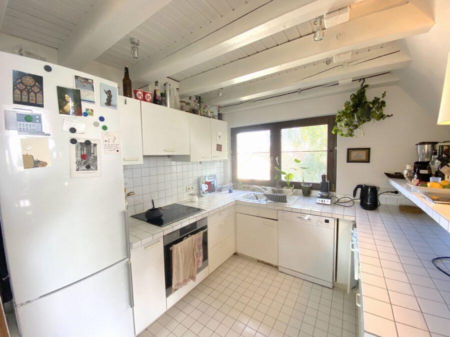 Schöne 2,5 Dachgeschosswohnung mit EBK und Balkon - Küche